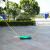 ポータブルバドミントンの網棚は移動して折り畳むことができます。バドミントンの網柱とバドミントンの手すりを取り付けます。
